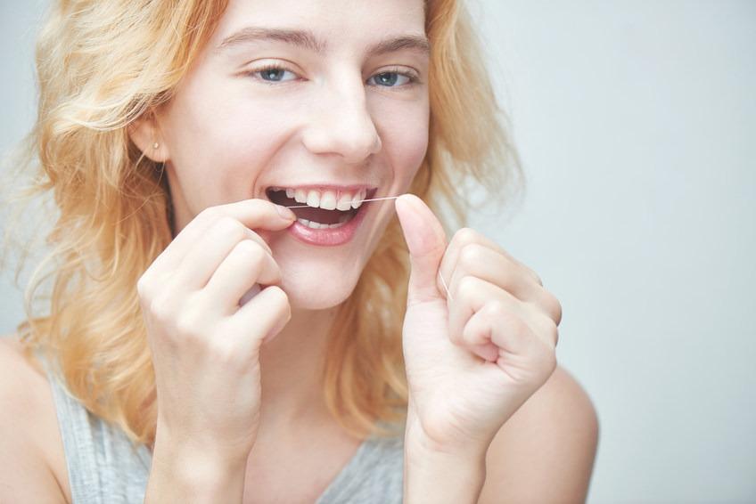 Implantologie Köln: Prophylaxe – Zahngesundheit für die ganze Familie